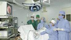 Phẫu thuật nội soi sau phúc mạc lấy sỏi niệu quản trên
