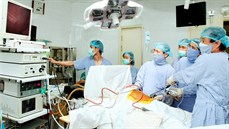 Điều trị bệnh viêm túi mật bằng phẫu thuật nội soi một lỗ cắt túi mật qua đường rốn